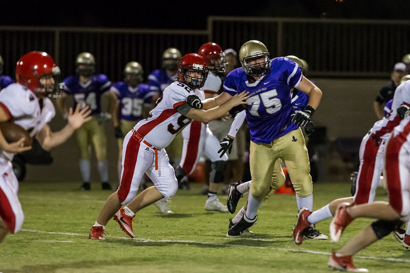 NDP Frosh FB vs Chap-_L4V4053.jpg