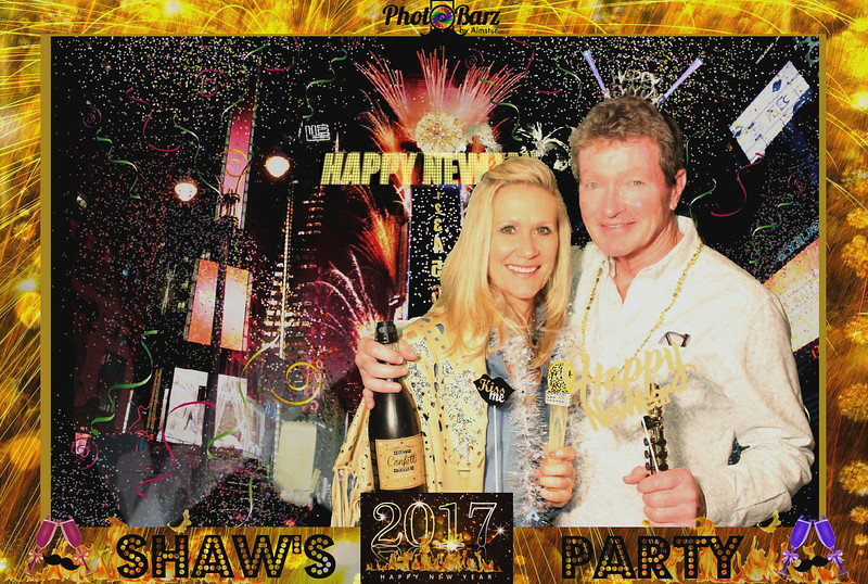 Shaws NYDay Party (59).jpg