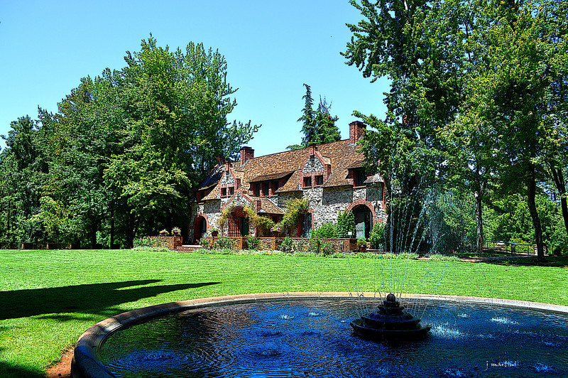 cottage and fountain 5-31-2013.jpg