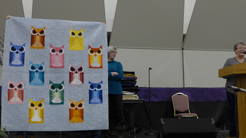 Jean Kaufmann told us that the Quilters Anonymous group made this quilt for Eileen Gioia.  It was quilted by Louise Mueller.