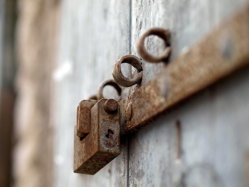 Locks in Trani