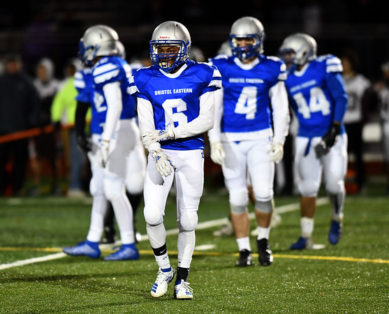11/1/2019 Mike Orazzi | StaffrBristol Eastern's Treyvon Daniel (6) during Friday night's football game with Farmington in Bristol. rr