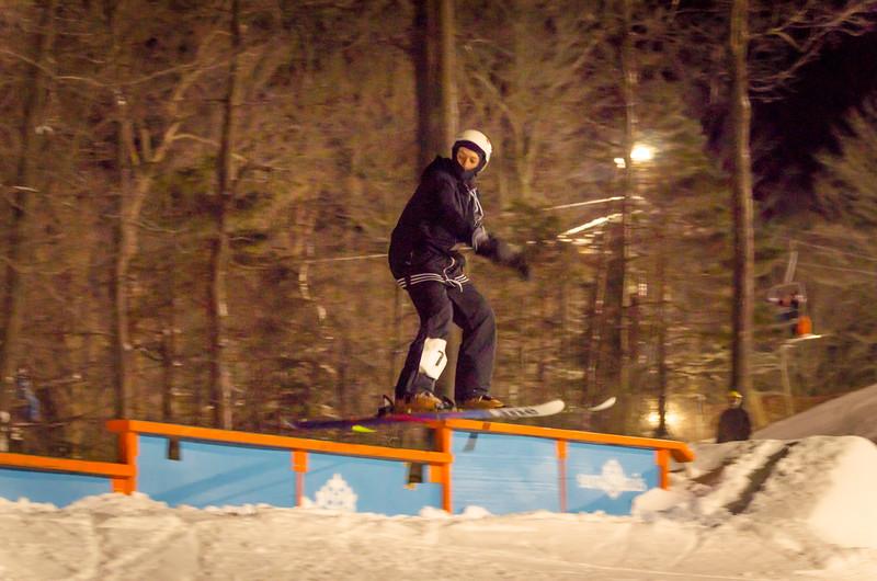 Nighttime-Rail-Jam_Snow-Trails-13.jpg