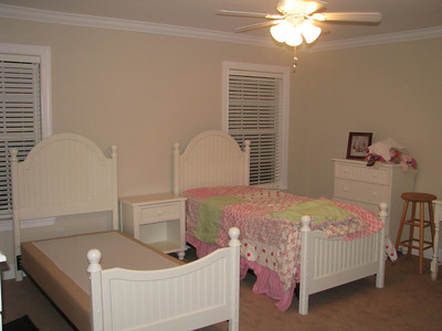 Hannah's big girl room - a work in progress...