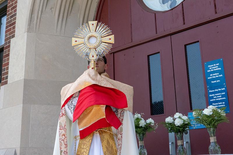 20190623_Corpus_Christi_Procession_NDNHP_037.jpg