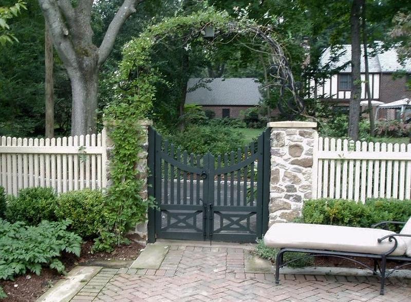 286 - Plandome, NY - Custom Gate