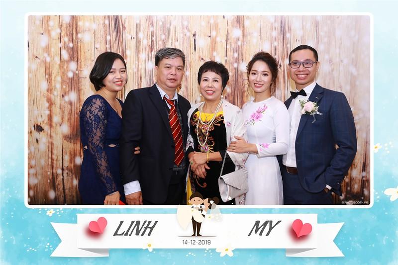 Linh-My-wedding-instant-print-photo-booth-in-Ha-Noi-Chup-anh-in-hnh-lay-ngay-Tiec-cuoi-tai-Ha-noi-WefieBox-photobooth-hanoi-161.jpg