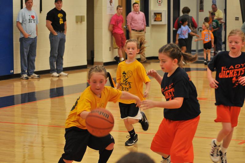 koc-basketball-bees-0235-2324008441-O.jpg