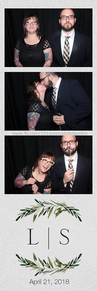 ELP0421 Lauren & Stephen wedding photobooth 44.jpg