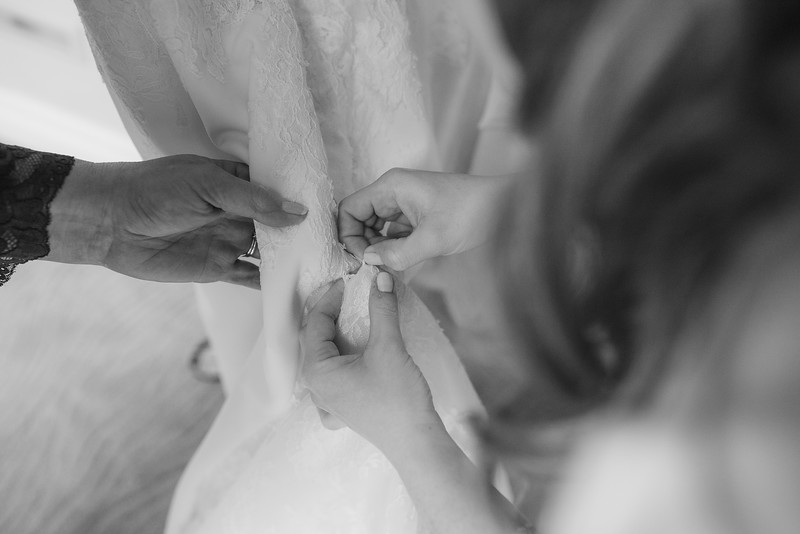 Miri_Chayim_Wedding_BW-14.jpg