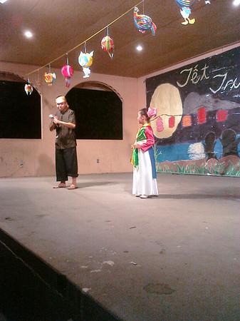 Tet Trung Thu - Kiely Singing 2009