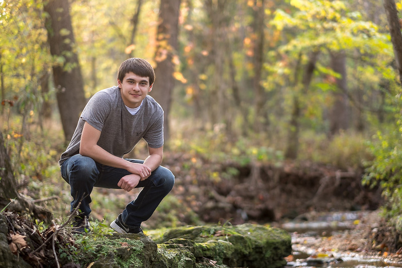 Jefferson_City_MO_Helias_High_School_Senior_Portrait_Photographer_Outdoor-21.jpg