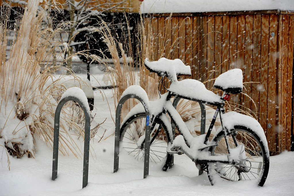 . Another mid-week snow storm is bringing wet heavy snow to the Denver metro area and suburbs.  Over 6 inches of snow has already fallen in Nederland, CO and forecasts call for snow through out the day on May 1, 2013.   (Photo by Helen H. Richardson/The Denver Post)