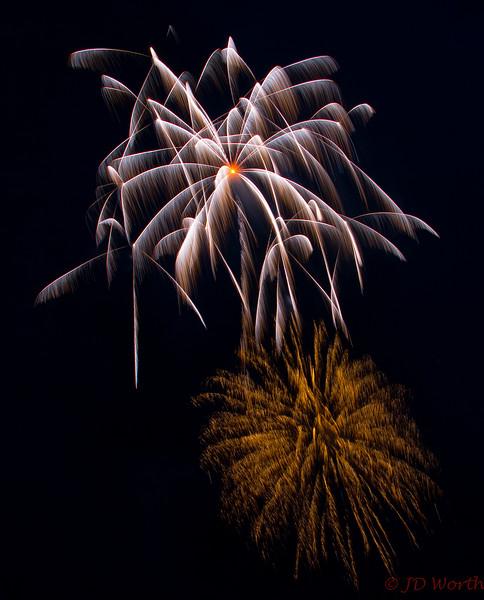 070417 Luray VA Downtown Fireworks - Orange Center White Shower Palm Tree-0863.jpg