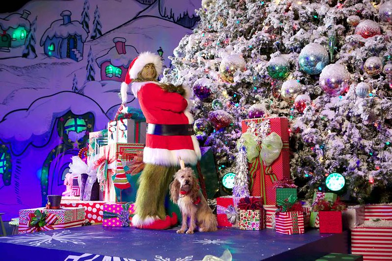 GRINCHMAS, Merry Mischievous Minions, and hot Butterbeer mark Universal Studios Hollywood holiday season