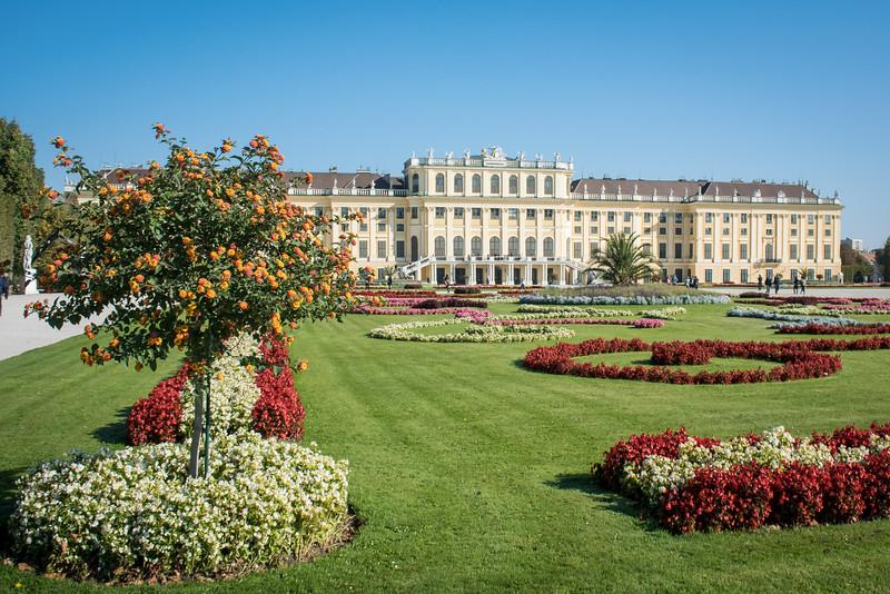 Palace had 1,441 rooms