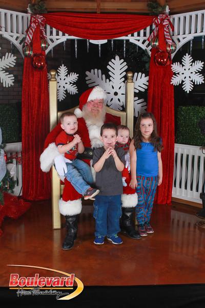 Santa 12-17-16-590.jpg