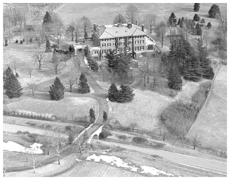 aerial fair haven McCarter Estate & Foot Bridge 1930_1024 2.jpg