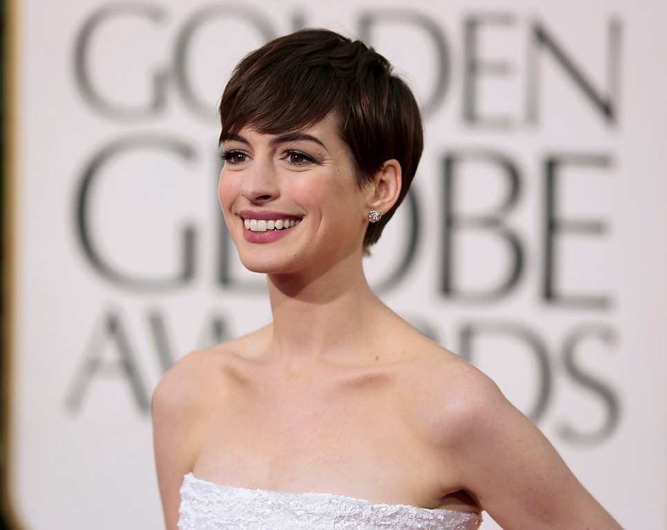 ". Actress Anne Hathaway of the film ""Les Miserables\"" at the 70th annual Golden Globe Awards in Beverly Hills, California January 13, 2013. REUTERS/Jason Redmond"