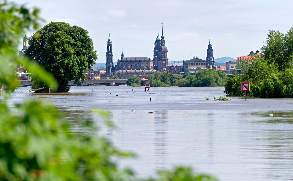. High tide scale of the river Elbe is seen in Dresden, eastern Germany, on June 5, 2013.  AFP PHOTO / ROBERT  MICHAEL/AFP/Getty Images