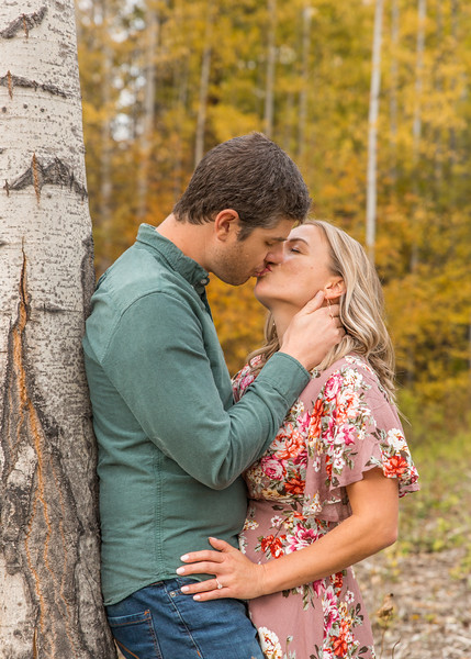 Coble.Howard.EngagementPhotos-129.jpg