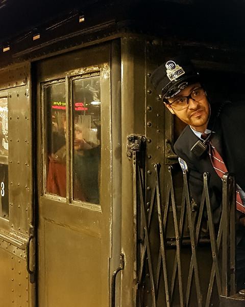 292 (10-27-19) Watch the closing doos pleeze Nostolga Subway-1.jpg