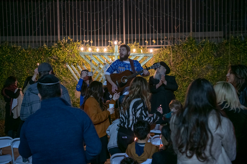 Brentwood Chabad -Chanukah864.jpg