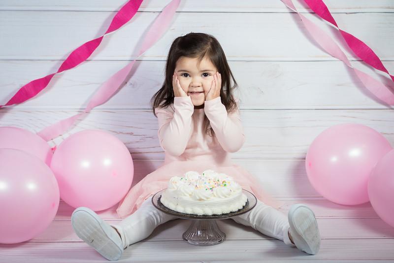 Leila cake smash birthday -20.jpg