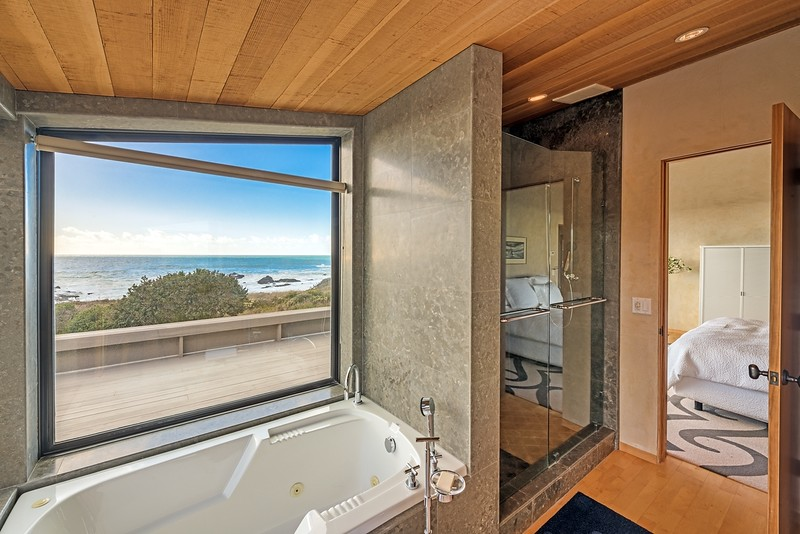 Take a Bath with Views of the Ocean