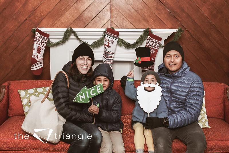 awkward-family-photo-booth-018.jpg