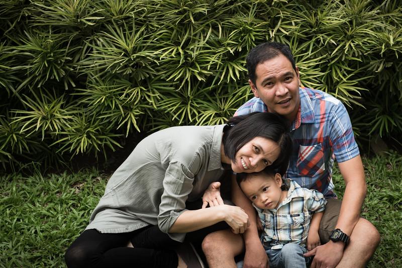 Velardes Family Portrait-39.jpg