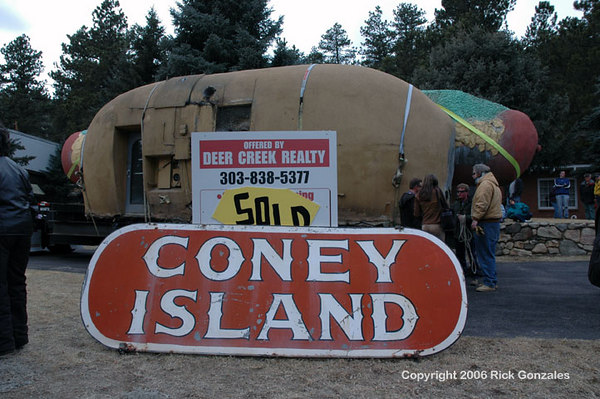 The property deal was closed only one day before the move. This is the original Coney Island sign (see the first photo).