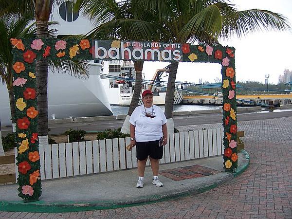 2007-04-09 | Carnival Legend - Marie & Pat - Nassau