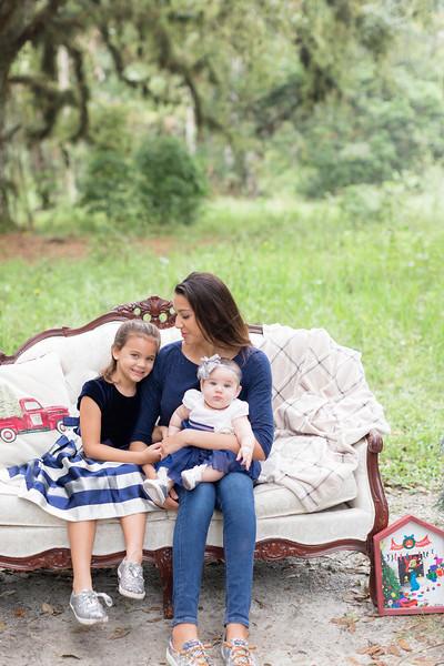 Holiday Minis- Scarth Family-53.jpg