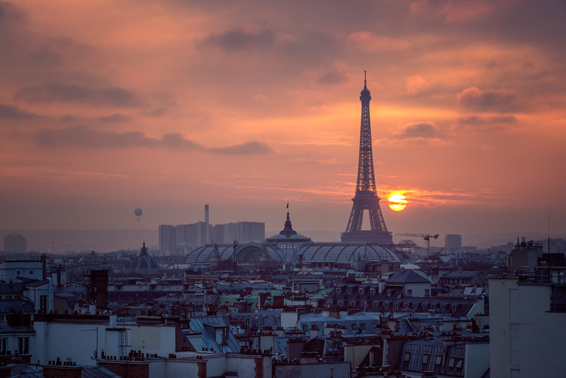 Eiffel-tower-at-dusk-from-printempt.jpg