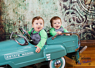 Giovanni and Matteo - 9 months, 20150221
