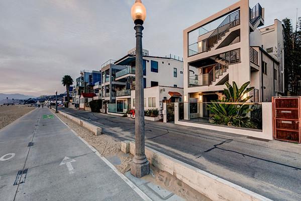Santa Monica Front
