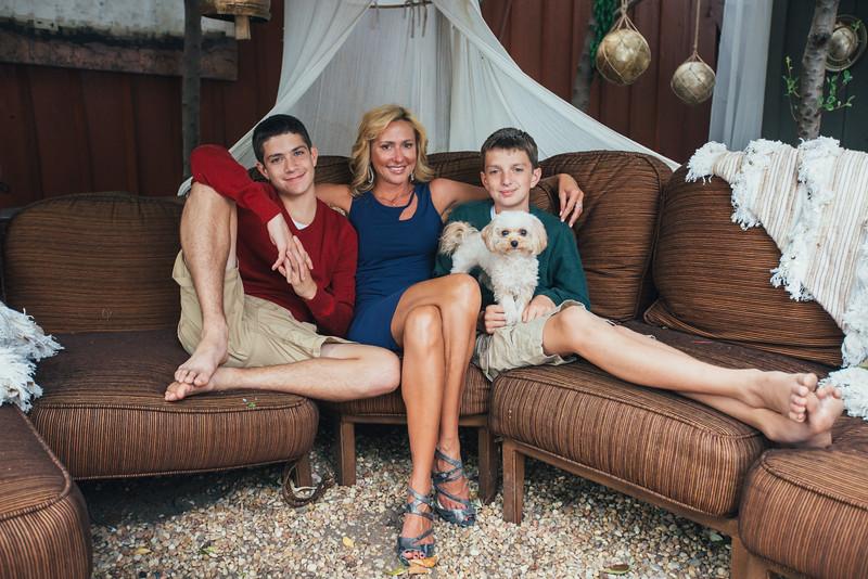 Augulis Family Portrait 2015--32.jpg