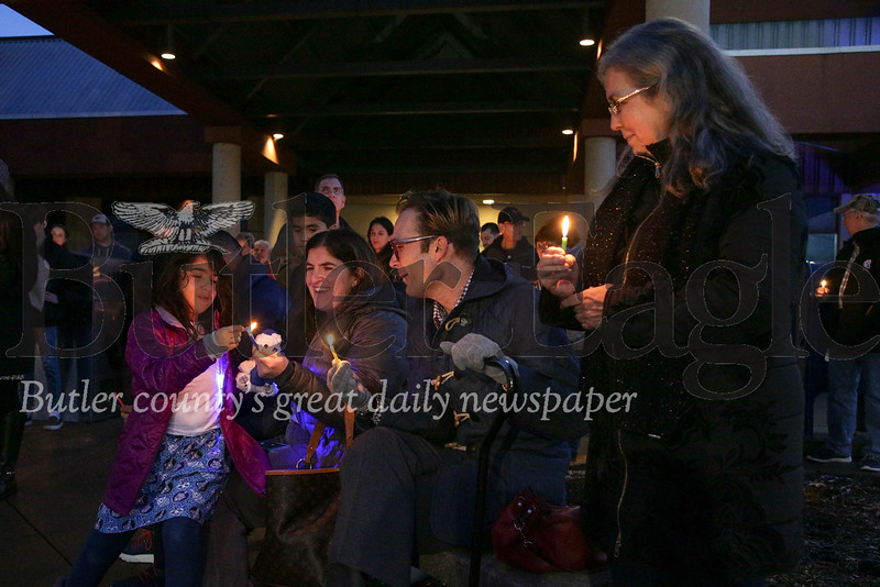 Chanukah Candle Lighting - Cranberry