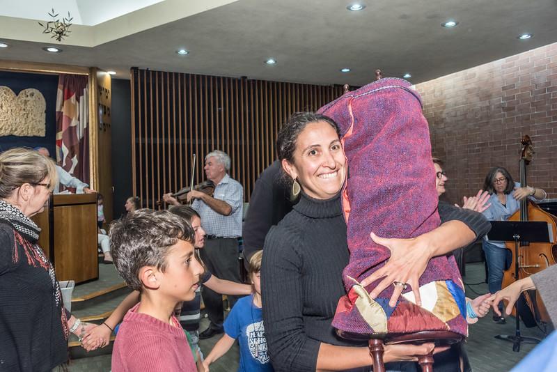 Simchat Torah-257.jpg
