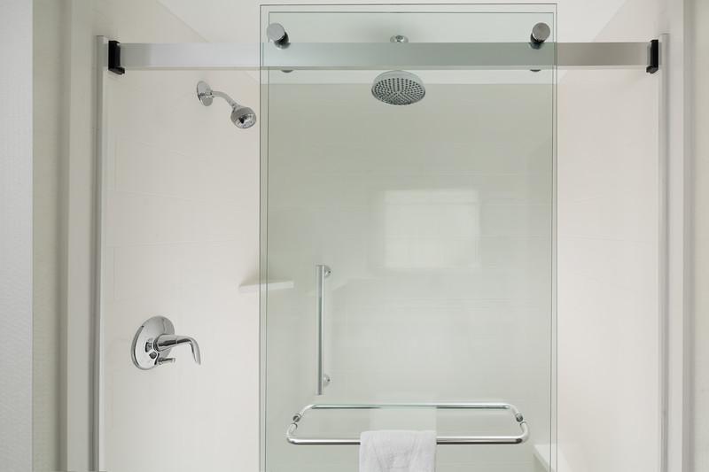 48-ADA Shower-Hampton Dallas.jpg