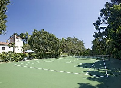 Tennis Courts/ Play Areas