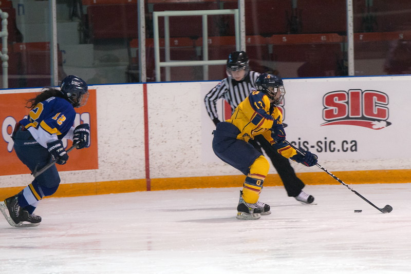 20130310 QWHockeyvsUBC 160.jpg