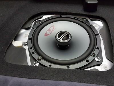 2007 Mitsubishi Lancer Evo 9 Speaker Installation - Hungary
