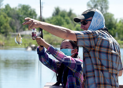 Photos: Kids Fishing at Izaak Walton Nature Area in Longmont