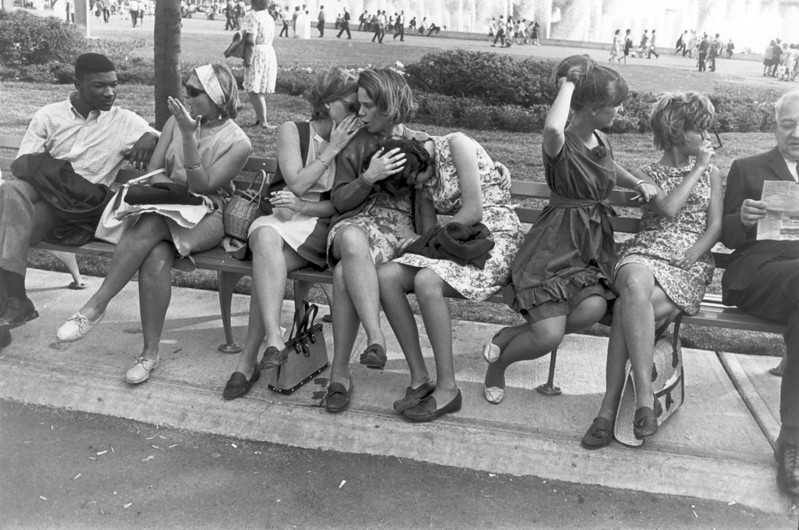 Famous Street Photographers - Garry Winogrand