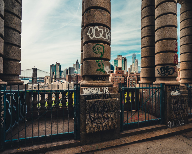 Manhattan Bridge columns 2.jpg