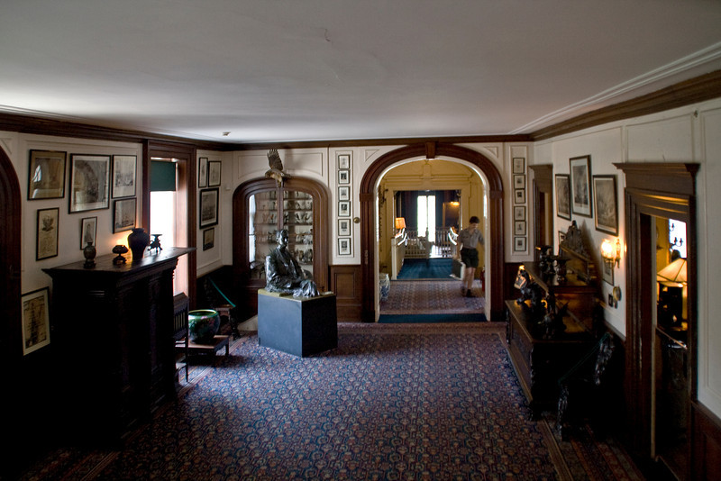 Front Hall to Living Room.jpg