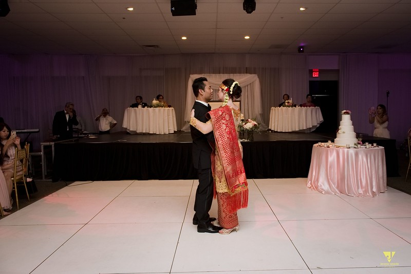 Wedding of Elaine and Jon -600.jpg
