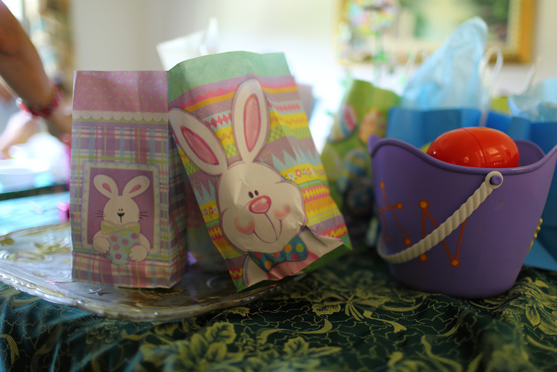"<a href=""http://www.chadsorianophotoblog.com/2012/04/happy-easter.html"">http://www.chadsorianophotoblog.com/2012/04/happy-easter.html</a>"